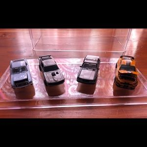 Ford Mustang 1:64 Scale Set